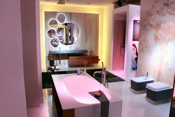 Mobili, divani, cucine, illuminazione, design e progettazione