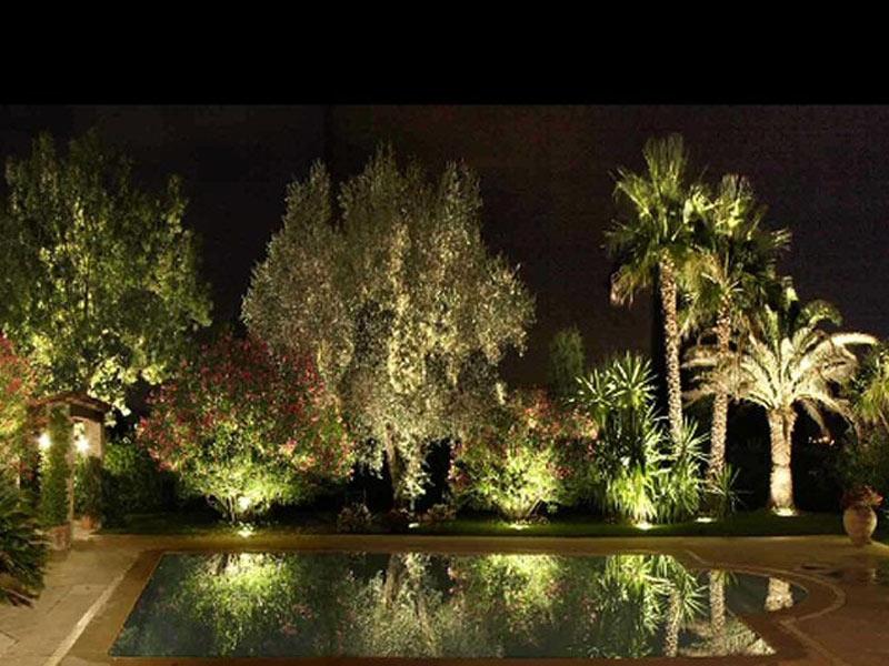 Arredi per esterni padovani outdoor lighting system for Arredi natalizi per esterni